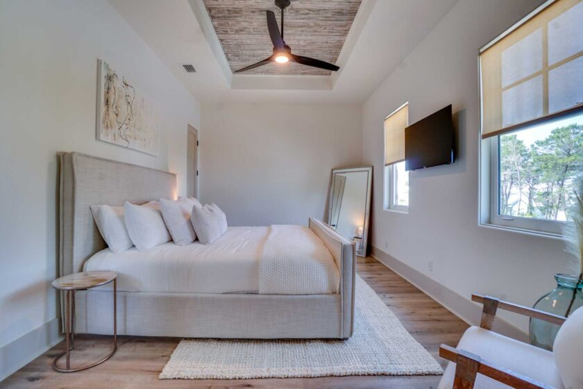 guest bedroom with ceiling detail