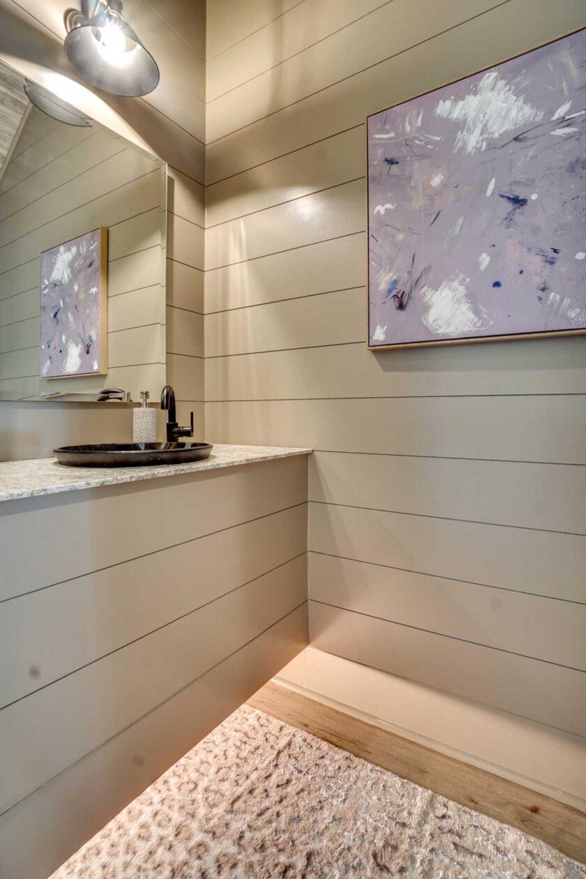 wood details in bathroom